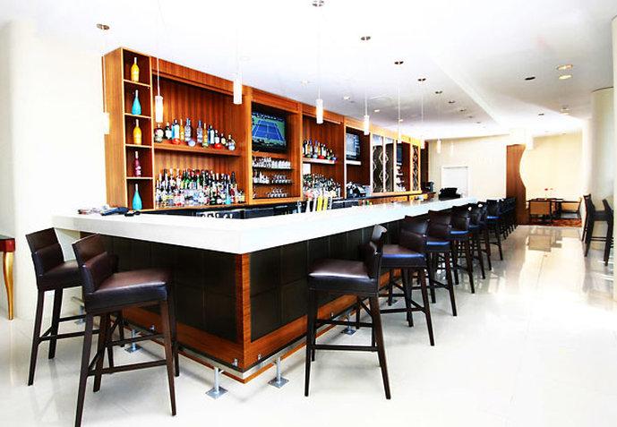 Renaissance Vancouver Hotel Harbourside 酒吧/休息厅