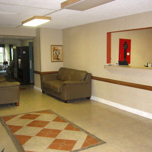 Airport Plaza Hotel - Roanoke, VA