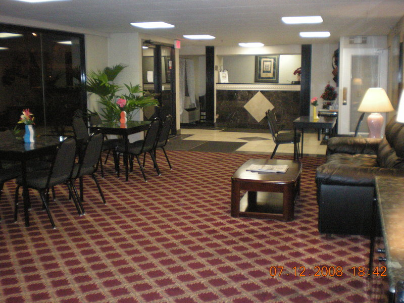 Holiday inn springfield south enfield ct in enfield ct for A salon enfield ct