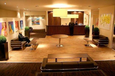 Micasa ApartHotel Aberdeen - Lobby View