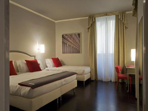 Rosso 23 Hotel Florence - Triple Room