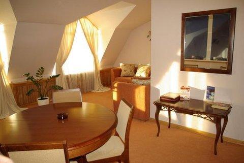 Sudarushka Hotel - Suite 205