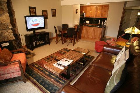 Lift One Condominiums - SUPERIOR 1 BEDROOM CONDO