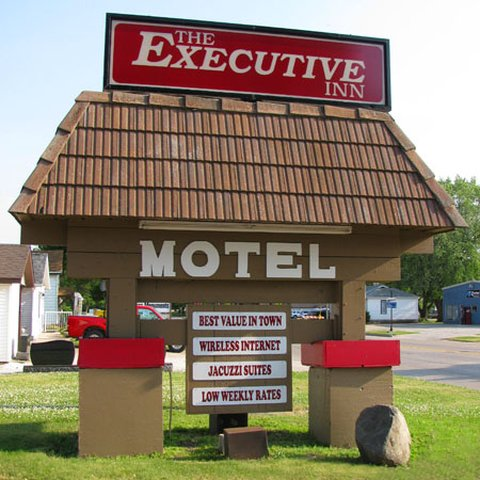 Executive Inn Webster City - Executive Inn Webster City Sign