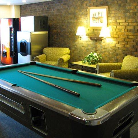 Executive Inn Webster City - Executive Inn Webster City Rec Room