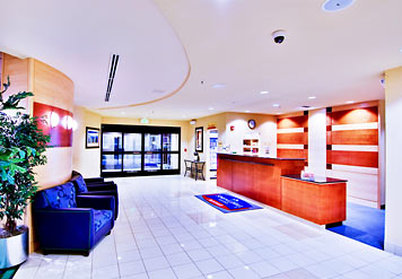 SpringHill Suites Fresno - Lobby