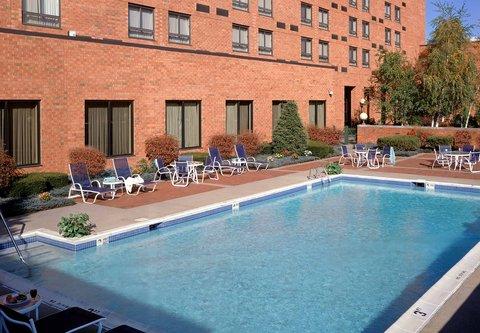 Albany Marriott - Outdoor Pool