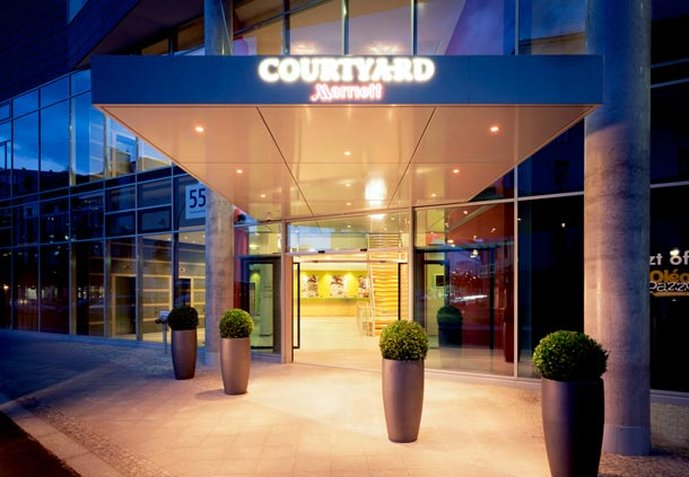 Courtyard by Marriott Berlin City Center Dış görünüş