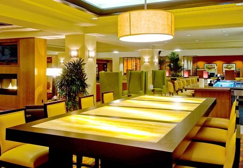 Bakersfield Marriott at the Convention Center - M I  Greatroom Community Table