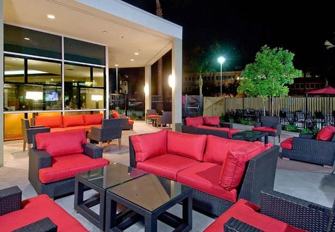 Bakersfield Marriott at the Convention Center - Outdoor Patio