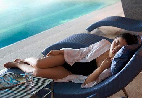 JW Marriott Hotel Beijing - Indoor Pool Blue Sofas