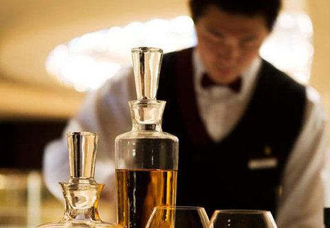 JW Marriott Hotel Beijing - CRU Steakhouse Bar