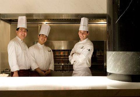 JW Marriott Hotel Beijing - CRU Steakhouse Open Kitchen