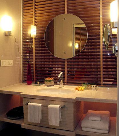 كورتيارد باي ماريوت بانكوك - Guest Bathroom