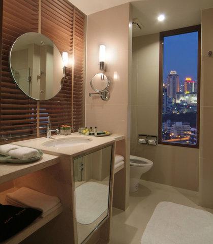 كورتيارد باي ماريوت بانكوك - Bathroom View