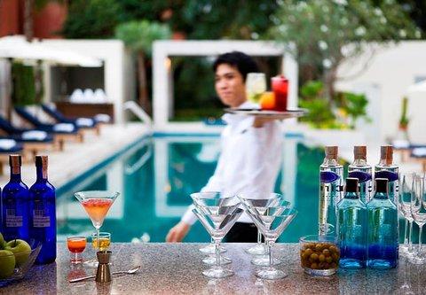 كورتيارد باي ماريوت بانكوك - Pool Bar