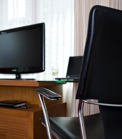 كورتيارد باي ماريوت بانكوك - Guest Room Work Desk