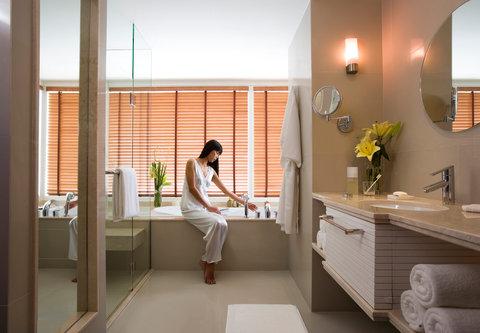 كورتيارد باي ماريوت بانكوك - Family Room Bathroom
