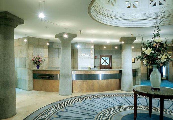 Marriott's Custom House Lobby