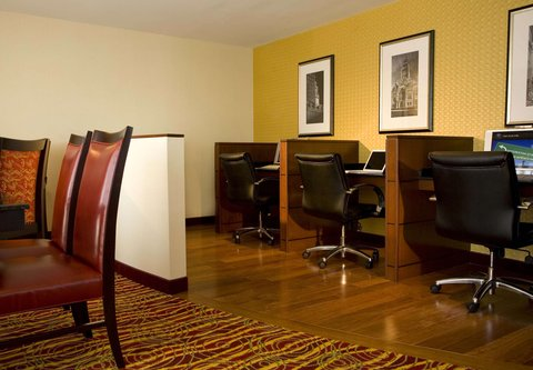 Marriott Long Wharf Hotel - Concierge Lounge Work Station