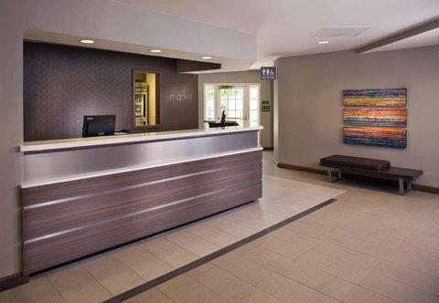 Residence Inn Baton Rouge Siegen Lane - Front Desk