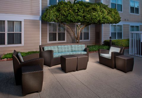 Residence Inn Baton Rouge Siegen Lane - Outdoor Patio