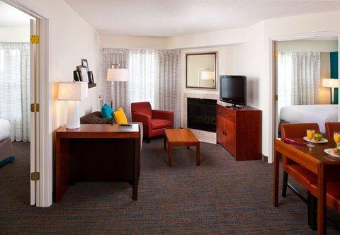Residence Inn Baton Rouge Siegen Lane - Two-Bedroom Suite- Living Area