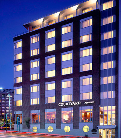 Courtyard By Marriott Burlington Harbor Hotel - Exterior