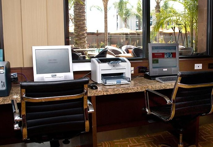 Courtyard  Los Angeles-Burbank Airport Otros