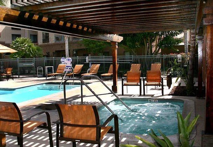 Courtyard  Los Angeles-Burbank Airport Centro de salud y belleza