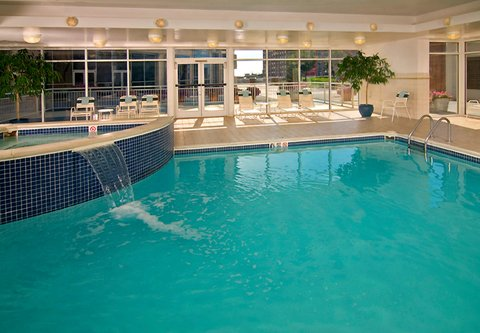 Courtyard By Marriott Downtown Baltimore Hotel - Indoor Pool   Whirlpool