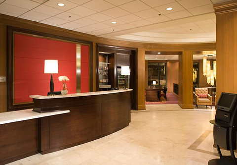Chicago Marriott at Medical District/UIC - Lobby Entrance