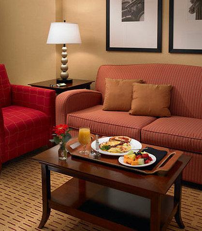 Marriott Suites Chicago Deerfield Pokoj