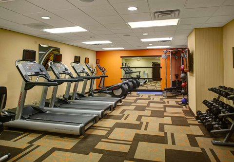 Courtyard By Marriott Columbus Downtown Hotel - Fitness Center