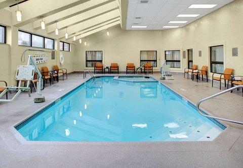 Courtyard By Marriott Columbus Downtown Hotel - Indoor Pool   Whirlpool