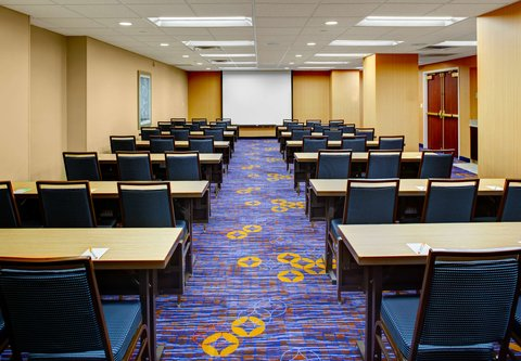 Courtyard By Marriott Columbus Downtown Hotel - Olentangy Meeting Room   Classroom Setup