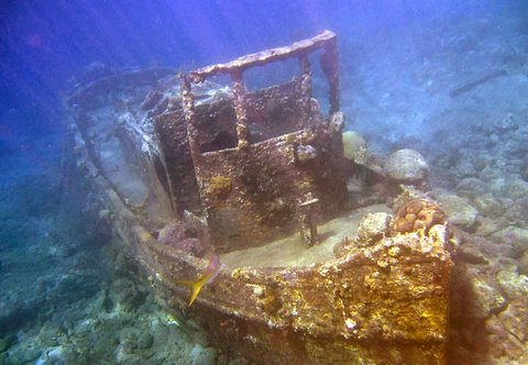 Curacao Marriott Beach Resort & Emerald Casino - Sunken Tug Boat