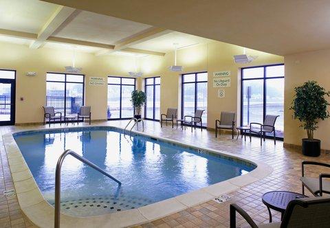 Courtyard Hamilton - Indoor Pool