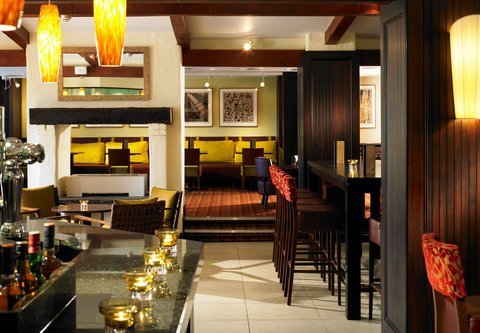 Forest of Arden - A Marriott  and Country Club - Oaks Bar