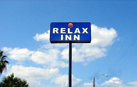 Relax Inn - Laredo, TX