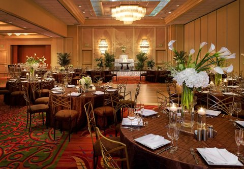 Marriott Dfw Airport North Hotel - Ballroom Wedding