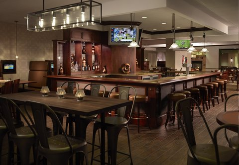 Des Moines Marriott Downtown - Rock River Grill   Tavern Bar