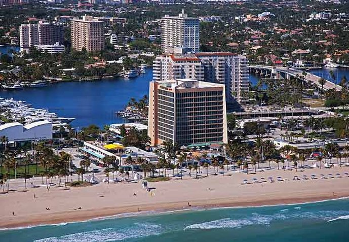 Courtyard by Marriott Fort Lauderdale Beach 外景