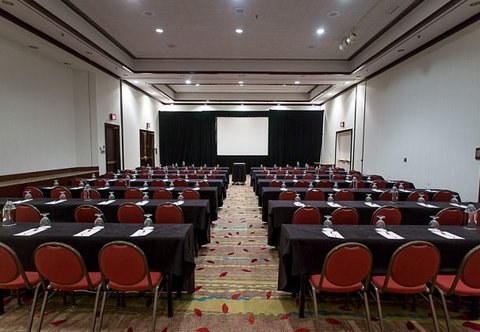 Greensboro Marriott Downtown - Meeting Room   Classroom Setup