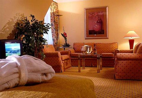 漢堡機場萬豪庭院酒店 - Senator Room