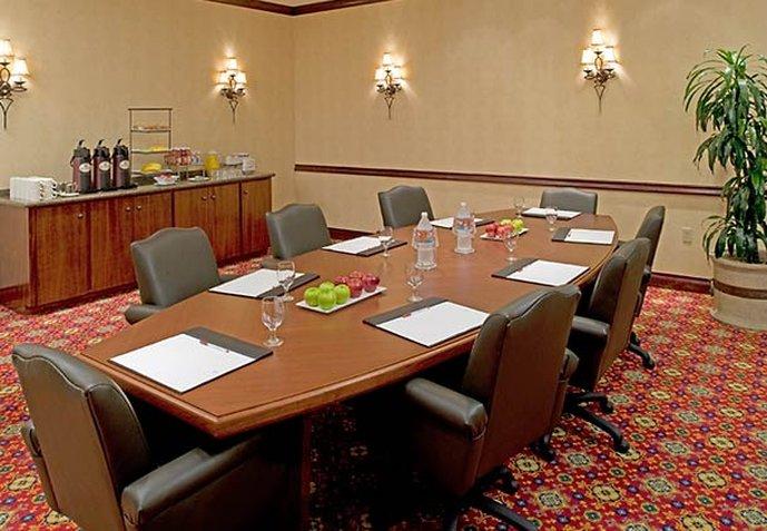 Marriott Houston North at Greenspoint Конференц-зал