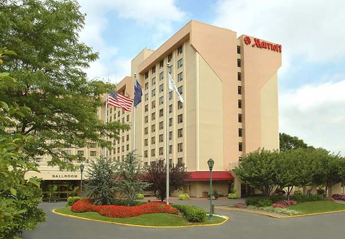 LAGUARDIA AIRPORT MARRIOTT
