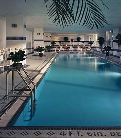 New york marriott at the brooklyn bridge brooklyn ny for Indoor swimming pools in brooklyn