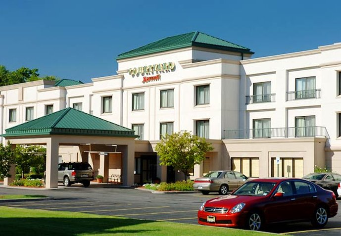 Courtyard by Marriott Rochester West / Greece