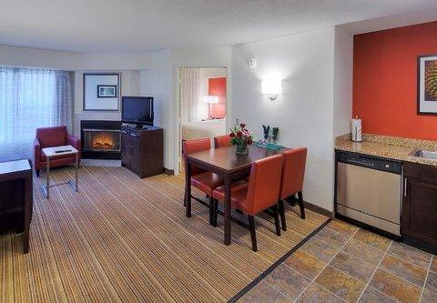 Residence Inn by Marriott Carlsbad - Two-Bedroom Suite Living Room